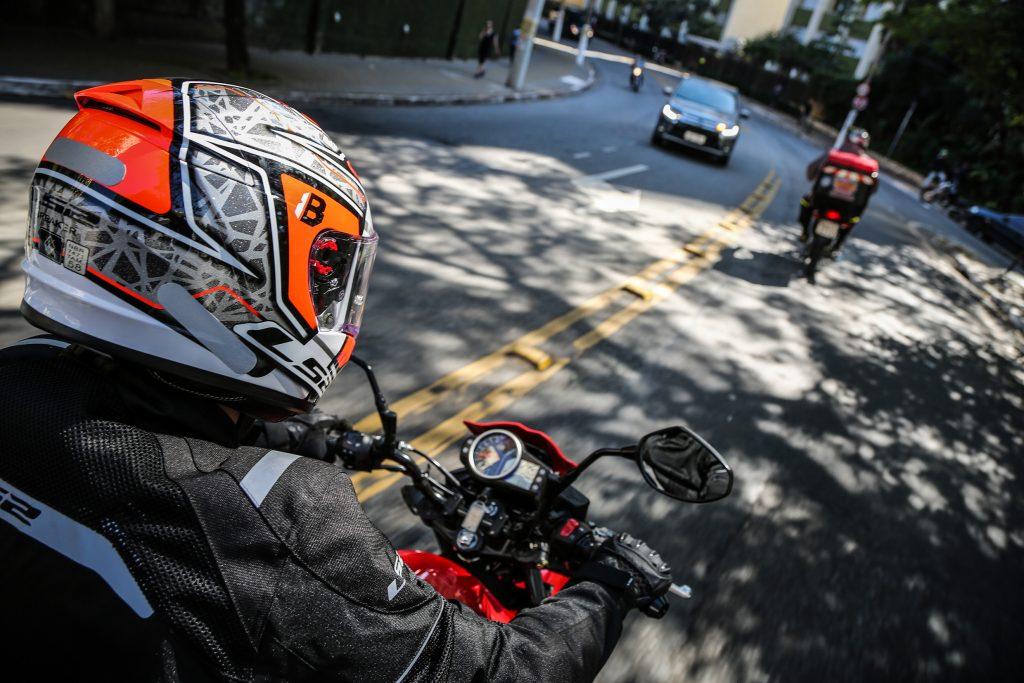 visao-do-motociclista-ao-guidao