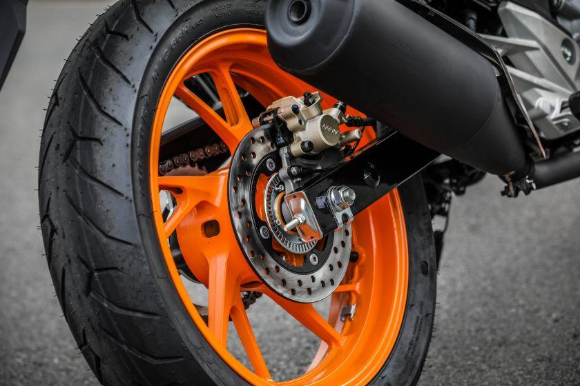 pneu-traseiro-motocicleta