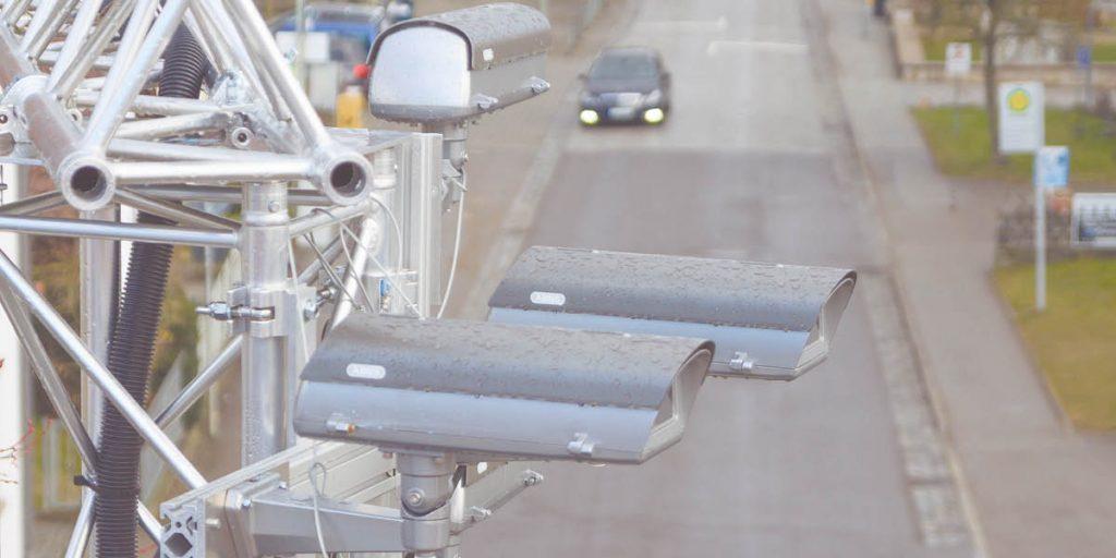 . Os veículos terão sistemas de comunicação, que permitirão se conectar a outros veículos, residências, trabalho, estrutura da cidade etc.